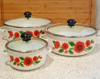 Vintage Enamel Sunflower Nesting Pots *As seen on Unbreakable Kimmy Schmidt*