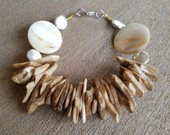 Woodchips & SeaShell Bracelet