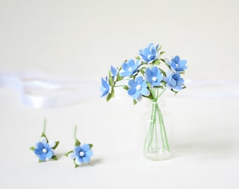 15  mm /  10  Blue  White   Paper  Flowers