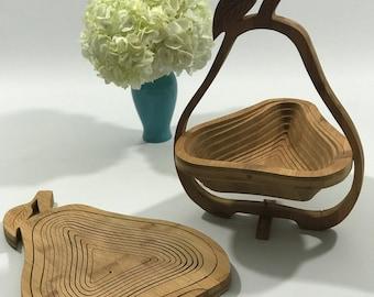 Vintage 1970s Pear Shaped Wooden Fruit Basket Bowl Holder Spiral Cut Design Collapsible Flattening Expanding Kitchen Gadget unique decor