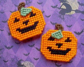 Plastic Canvas: Smiling Jack o' Lantern Magnets (set of 2)