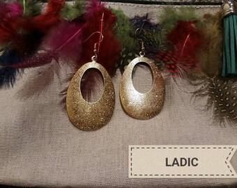 Dangle drop earrings gold