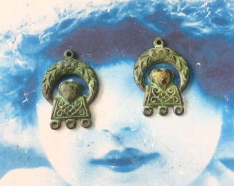 Vintage Verdigris Patina Brass Celtic Heart And Flowers Connectors Jewelry Supplies 7420VER x2