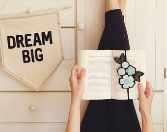 Flower Bookmark - Reader Gift - Best Friend Gift - Teacher Gift - Teacher Appreciation Gift - Bookclub Gift - Bookmark