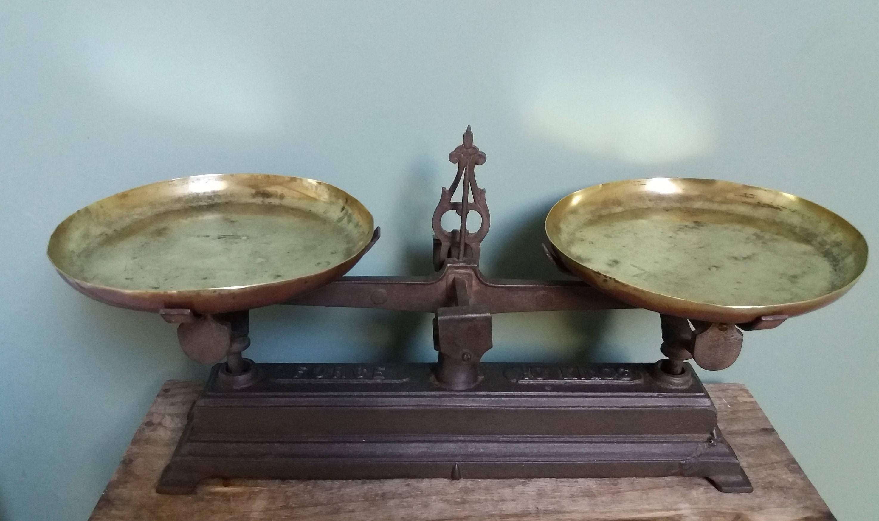 Antique French Scales Cast Iron and Brass plates 10 kg French