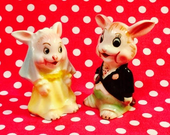 PY Anthropomorphic Bunny Rabbit Wedding Bride and Groom Salt and Pepper Shakers made in Japan circa 1950s