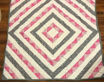 Lap Quilt Pink and Silver Around the World