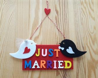 Just Married Door  Hanging,Wedding felt wall hanging,Wedding home decor,Celebration,felt bride&groom bird,Just married weeding gift
