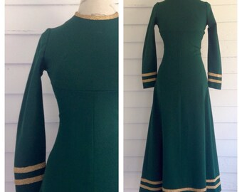 Vintage 1960s Rich Green MOD Dress w Gold Trim
