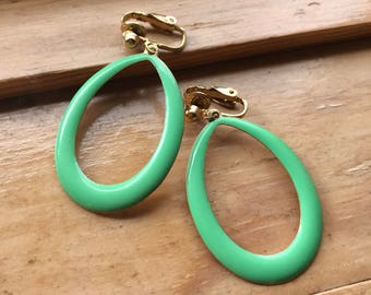 Vintage green earrings. Clip on earrings. Teardrop hoop earrings. Green enamel clip on earrings. Dangle earrings. Lightweight earrings.