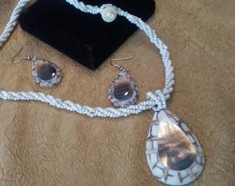 LEE SANDS Mother of Pearl Shell and Seed Bead Twist Necklace with Matching Earrings