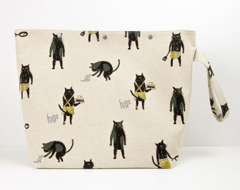 Large cat knitting bag for sweater projects, big crochet organiser, cute yarn craft storage