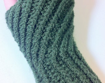 Pattern - Crochet Spiral Fingerless Gloves