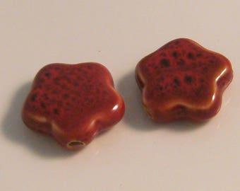 2 x 30mm red ceramic flower (l5) beads