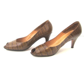 60s Peep Toe Shoes Brown Open Toe Shoes Leather Shoes Brown Leather Shoes 1960s Open Toe Pumps Brown Leather Heels Embossed Leather Shoes