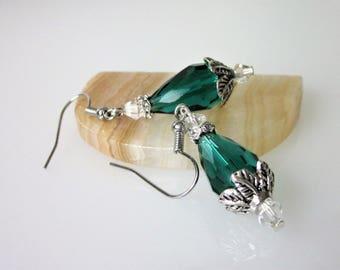 Quartz Crystal Earrings, Emerald Green Crystal Briolette, Drop Earrings, Elegant Jewelry, Green Crystal Earrings, Bridesmaid Gift