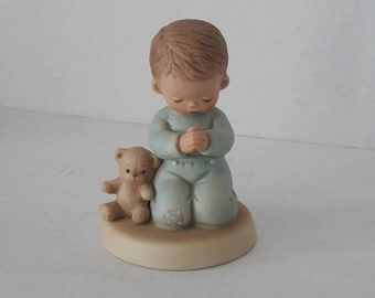 Now I Lay Me Down To Sleep / Memories of Yesterday / Boy Saying A Prayer / Porcelain Figurine / 114499 / Enesco Vintage Retired Collectible