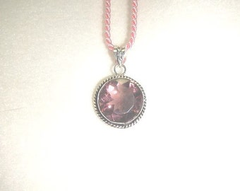 PAY IT FORWARD - Round pink-purple amethyst pendant necklace set in .925 sterling silver (P027-2)