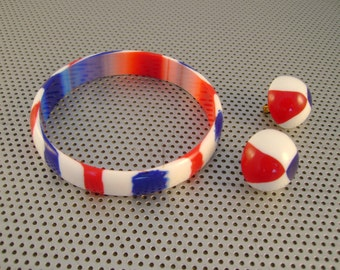 Vintage Red White and Blue Patriotic Bangle Plastic Bracelet and Matching Clip Earrings