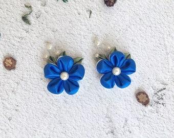 Kanzashi tsumami Flower Hair Clip. Set of 2 Kanzashi hair clips. Japanese Kanzashi Geisha Hair decoration. Blue and white flower hair deco