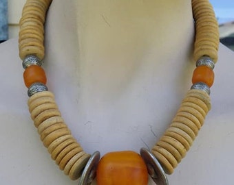 Beautiful wood chunky necklace