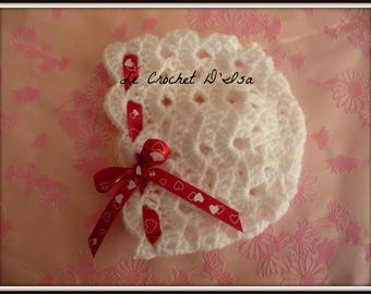 HEARTS BABY BONNET