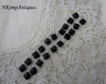 Antique french jet bead x 20