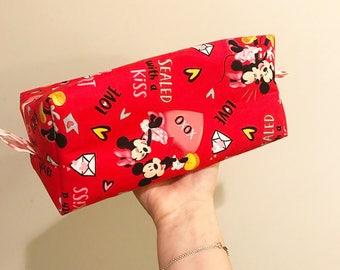 Box Zipper Bag: Mickey and Minnie