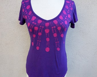 SALE Soft Purple Tshirt, Cotton Tshirt, Purple Batik Top, Short Sleeve Tshirt, Purple Vneck Tshirt, Vneck Top, Pink and Purple, Medium