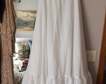 REDUCED! 80s White High Waisted Full Length Crinoline w/Full Ruffle/Lace Bottom - Wedding, Formal, Bridal