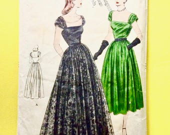 Vogue 5989 1940s Evening Gown 40s Dress Vintage Sewing Pattern Bust 34 Hip 37 inches