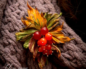 "Brooch made of genuine leather ""Red currant"""