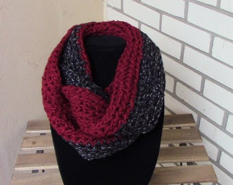 Red & Black Fleck Infinity Scarf // Crocheted // Cowl Chunky Scarf // Knit Scarf // Fall Scarf // Winter Scarf //