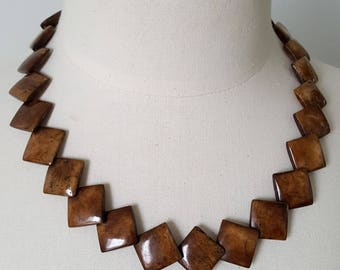Necklace wood painted 70's