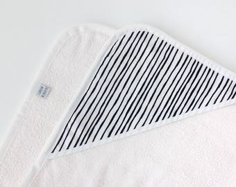 Off-white baby bathcape with black & white print