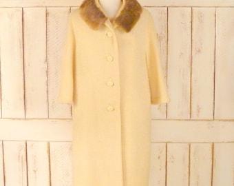 Vintage ivory wool boucle 60s mink fur collar coat/ivory wool winter coat/medium/large