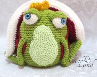 Crochet Frog, The Frog Prince ,Amigurumi crochet frog, handmade frog, frog prince toy, amigurumi frog, frog