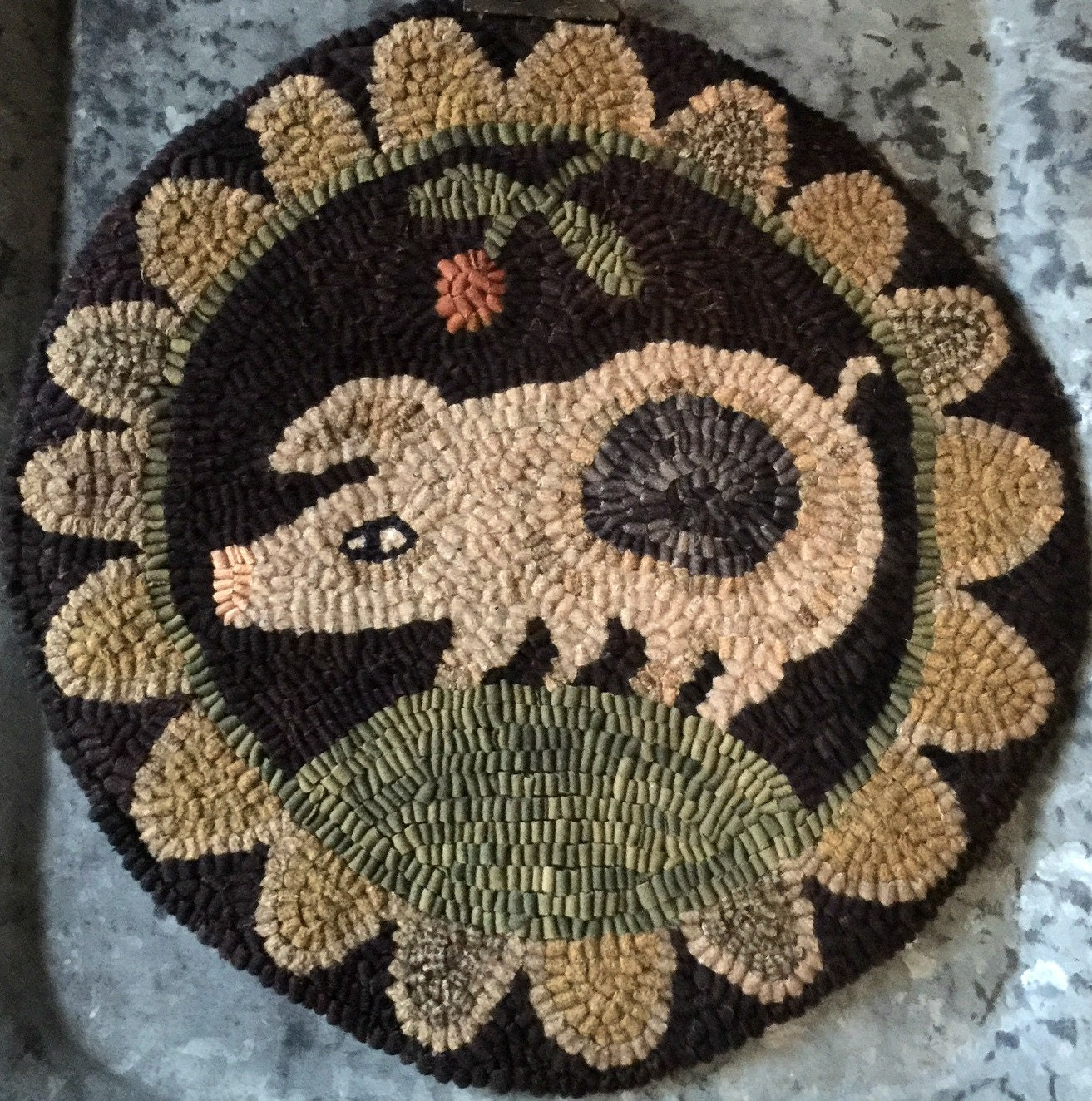 Genial Spotted Pig   PAPER Rug Hooking Pattern From My Winter Cottage. Paper  Pattern Only. Chair Pad.