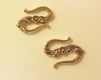 5 -  Beautiful Antique Gold Pewter Floral Flower S Hook Clasps
