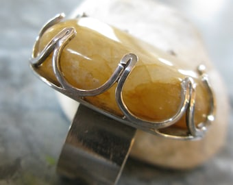 Yellow Beachstone in Silver Crown-Ring