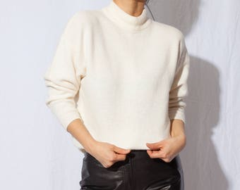 vintage ivory mock neck knit sweater / off white long sleeve / creme pullover / vtg Turtleneck sweater / fits xs s m
