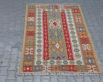 BOHO CHIC KILIM Rug-Bohemian Kilim-Boho Style Kelim-Hands on the Hips Design Kilim-Vintage Turkish Kilim-Area Rug-Area Kilim-Geometric Kilim