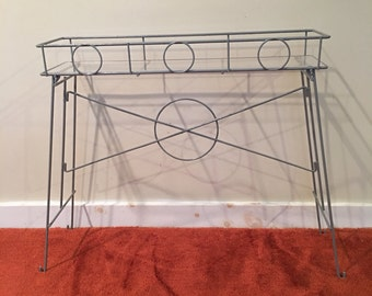 Retro Plant Stand, Grey Painted Wire Plant Holder, Wire Stand, Mid Century Plant Stand, Shelf, Narrow Plant Holder, Patio Decor