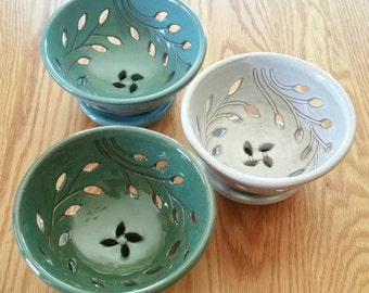 Berry Bowl with Dish (FREE Pottery GIFT with Order), Wheel-turned Colander (Turquoise, Green or White)