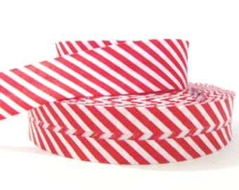 1 meter Ribbon bias striped red and white 20mm folded.