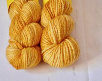 Hand dyed yarn - Bulky weight - Sundrop