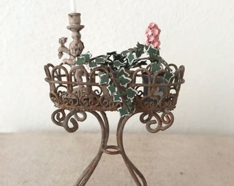 Dollhouse Miniature, Flowerpot stand in 1:12 scale Nr 1