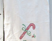Merry Christmas tea towel, Happy New Year tea towel, Christmas Holiday kitchen decor, Retro embroidered kitchen linen, kitschy X-Mas decor