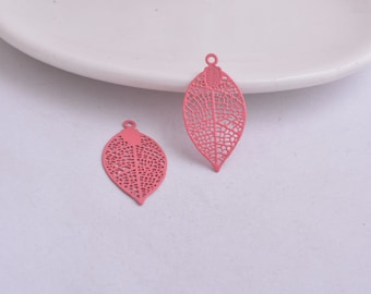 2 leaf prints pink 28 x 15 mm