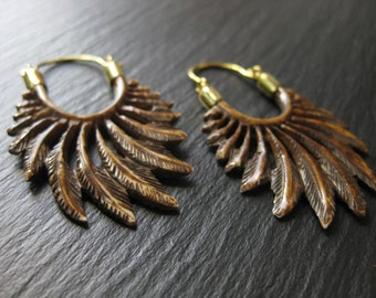 Wing Earrings . Feather Carved Bone Earrings . Brass Hoops . Boucles d'oreilles Plumes . Boho Chic Hippie Jewelry . FREE SHIPPING CANADA